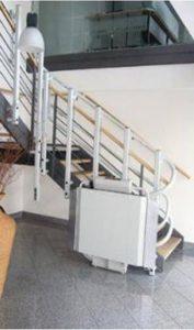 Plataforma elevadora curva Madrid